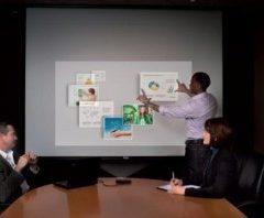 Malý projektor, ale velký dotykový obraz (CES 2012)